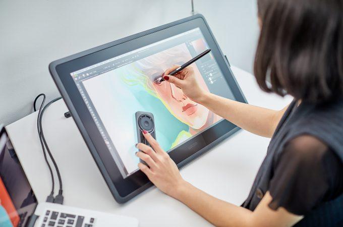 Wacom Cintiq 22 este soluţia perfectă pentru pentru cei care studiază arta și design-ul